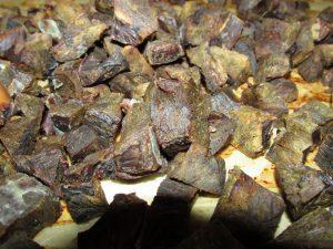 Rinderherz am Stück | gedorrt Rinderherzen als Leckerchen für Hunde selber machen | kleinstadthunde.de